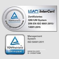 Sistema de gestión certificado La TÜV Rheinland (Organización de Inspecciones Técnicas)/ la LGA InterCert (Oficina de Certificación) comprueban y confirman regularmente nuestro sistema de gestión de la calidad según la norma ISO 9001, el sistema de gestión del medio ambiente según la norma ISO 14001 así como el sistema de gestión de energía según la norma ISO 50001. La norma ISO 9001 especifica los requisitos de un sistema de gestión de la calidad para cumplir los requisitos de los clientes y los otros requisitos para la calidad de los productos. La norma ISO 14001 para los sistemas de gestión del medio ambiente se emplea para mejorar el comportamiento medioambiental de una empresa Con la norma de gestión de energía ISO 50001, las empresas pueden mejorar continuamente su eficiencia energética. Todas las tres normas son estándares reconocidos a nivel mundial.